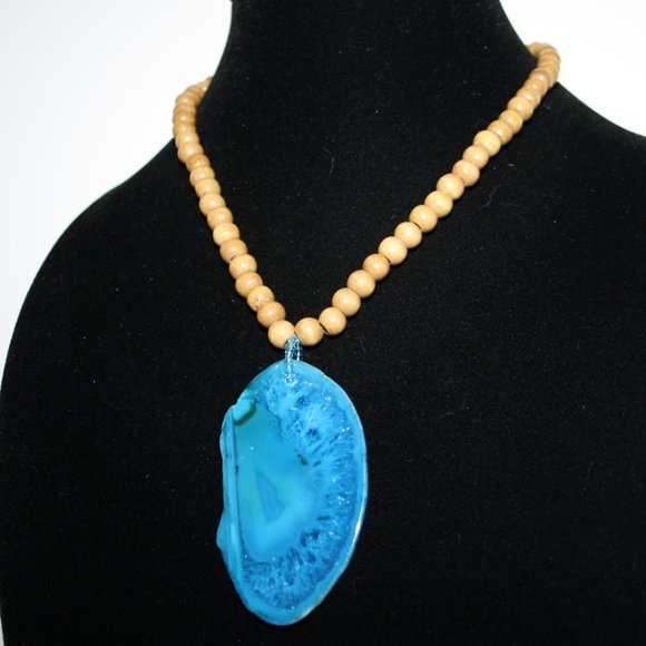 Beautiful wooden and blue agate necklace